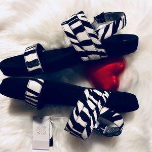 Comfy & Stylish NEW Vionic Zebra Sandal